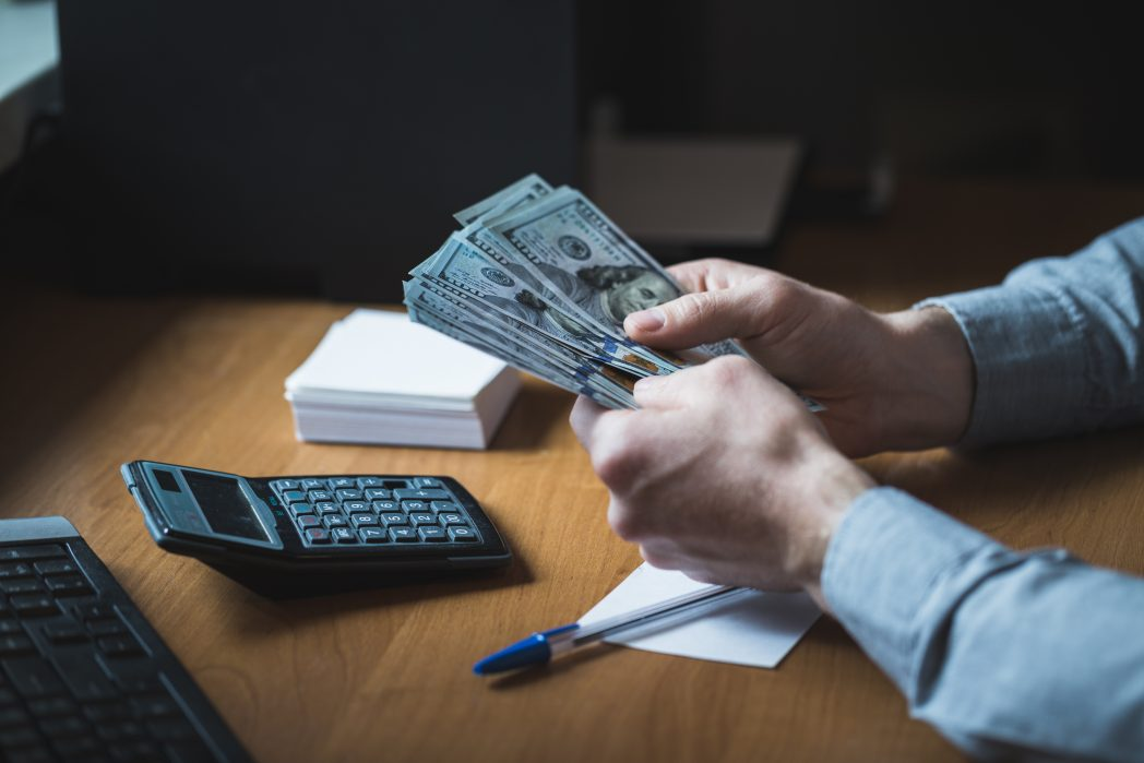 Where to Cash a Check Without Paying Fee